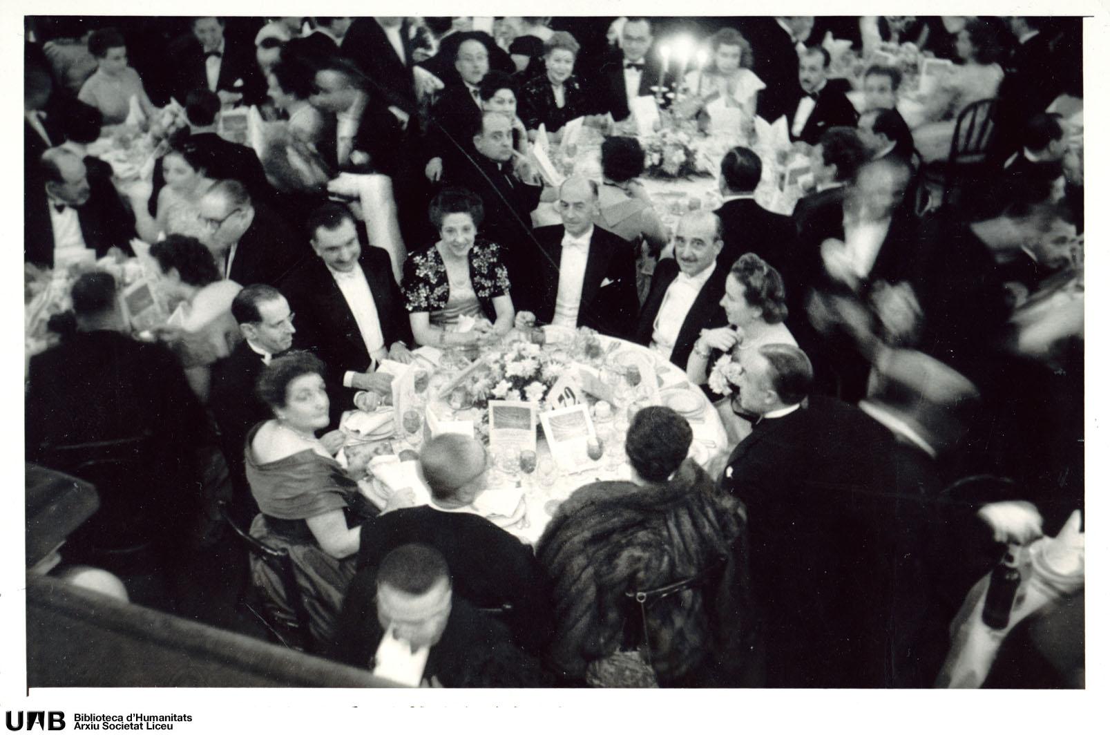 Fotografies del ball commemoratiu del centenari del Teatre
